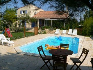 Villa avec piscine à 10mn d'Avignon