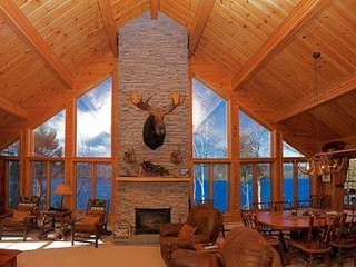 #113 Spectacular lodge with floor to ceiling windows & fireplace