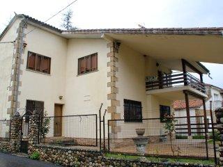 Casa rural en Gredos en el Valle del Alto Tormes al pie del Parque regional