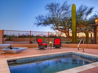 Walk to the course-4 BR Putting Green Heated Pool and Mountain Views