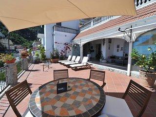 Magnifique appartement avec grande terrasse et vue