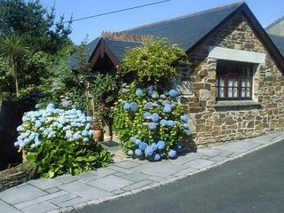 Wildflower Cottage, Porth, Newquay a quiet country location, near sandy beaches.