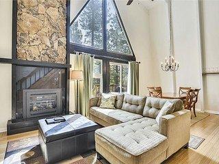Tsai's Charming Tahoe Donner Cabin