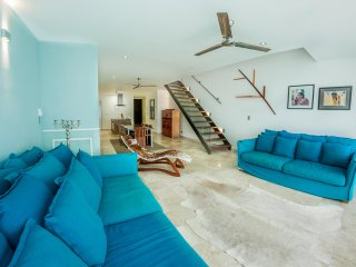 Ocean View 3BR PH in the heart of downtown by Happy Address