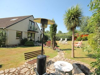 NEWQUAY SWALLOWTAILS 4 BED PRIVATE GROUNDS NR TOWN BEACHES SKY TV PARKING 4 CARS