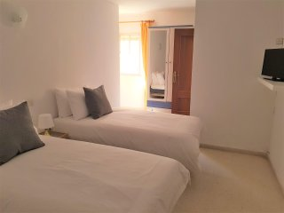 Private Twin Room 3 with en Suite Shower, 100m from Beach, Centre of La Cala