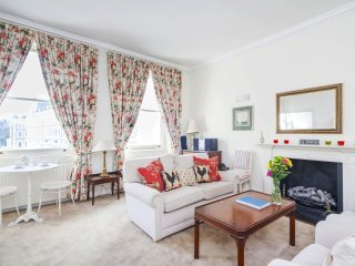 Classic South Kensington home