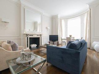Classic Knightsbridge Mansion Apartment