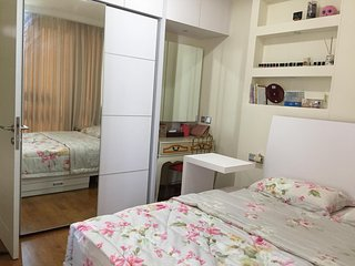 PROMO  |  SEA VIEW ANCOL MARINA BEACH | Peggy's Room at Apartement Ancol Mansion