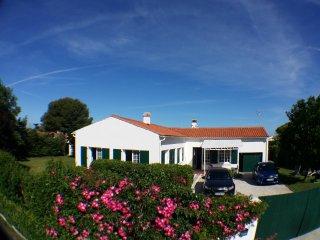 villa jardin espace island of Re st clement