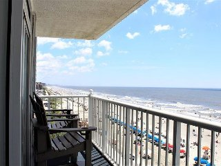 Friday to Friday Stays Now Available! Beautifully RENOVATED Ocean Front!