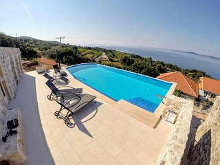 Rural vila near Orebic w/ swimmingpool