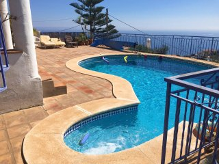 VILLA MONTE MARE *** PRIVATE HEATED POOL *** BEAUTIFUL PANORAMIC SEA VIEWS
