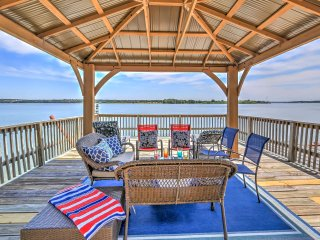 Prime Lakefront Granbury House w/ 2-Story Dock!