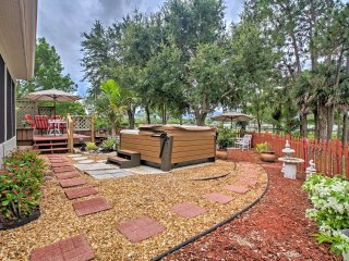 NEW! 3BR Naples Home w/ Hot Tub & Back Patio!