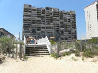 Direct Ocean Front Condo W/ Pool! 2 Large Decks, Panoramic 7th floor views