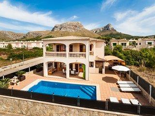 Tranquilo chalet con piscina y estupendas vistas