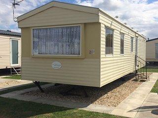 Skegness, Highfields Caravan Park, 3 Bedrooms, sleep 6 adults, 2 children