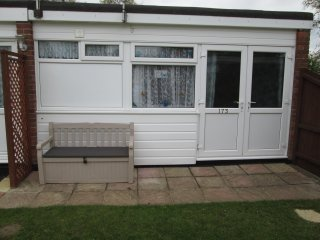 173 Belle Aire Hemsby Pet friendly Holiday chalet part of PBK Hemsby