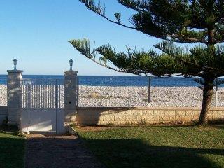 Villa en primera linea de mar