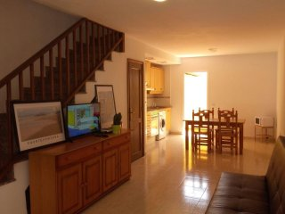 Apartamento Aloe (Two Story House)