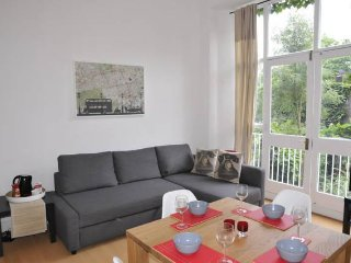 Lovely 1 Bedroom Apartment on Holland Road