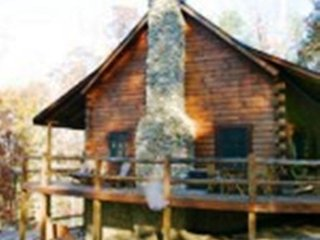 Stone Settler, sleeps 8, 30 acres, hot tub, gameroom, fire ring, close to hiking