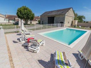 Maison de campagne avec piscine à Dercé