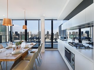 Panoramic View on Level 28 Art-Inspired PENTHOUSE