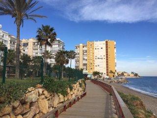 Ref. 1210 Apartamento frente al mar y cerca de tiendas