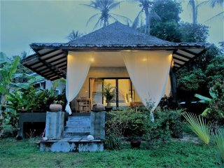 HIN KONG BAY West coast,  Romantic Tropical Modern house 1, outdoor bathtub
