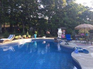 Luxury Lagoon Pool 2b/2 ba Home
