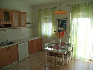 Colorful apartment in Kastel Kambelovac