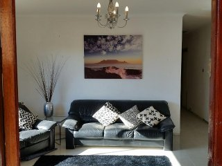 3 bedroom Home near kite beach  Blouberg Cape Town