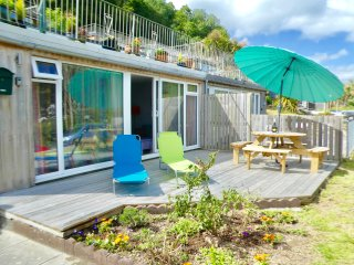 Pretty Holiday VIlla near Looe with Sea View