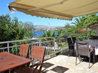 Seaside Oasis BEACHFRONT Apt Trogir Area