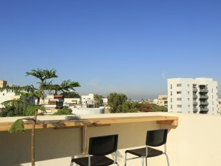Charming Rooftop Studio in downtown Herzliya
