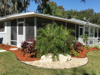 FL LAKEFRONT COTTAGE 'BEST BASS FISHING TOO'