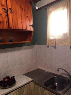 Kitchen window & cabinet