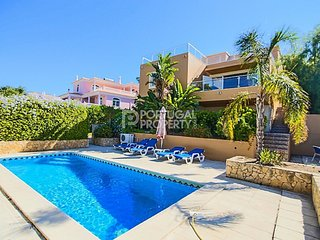 Beautiful seaview villa close to Albufeira Harbour