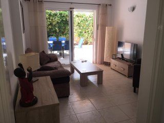 Beautiful Apartment, LARGE Terrace, Shared pool