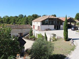 Magnifique grange restaurée dans le Quercy Blanc