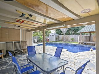 NEW! 2BR Kailua Apartment w/ Pool & Patio Access!