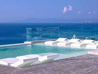 D´TERRACE Stunning condo Roof Top Pool Ocean View