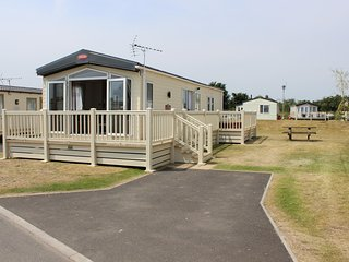 **WOW**Luxury Hemsley Caravan, 3 Bed, En-Suite, Sleeps 8, Hot Tub!!