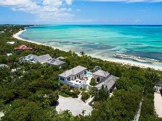 Modern Luxury/Beachfront Villa/Snorkel & Kayak Right from Property!
