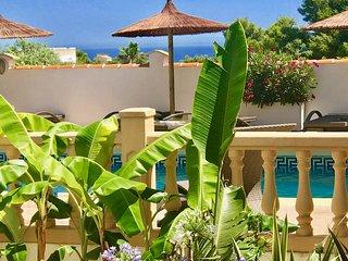 Villa RUMAH RITUAL, 15 pers./ 6 chambres balinaises VUE MER ET JARDIN TROPICAL