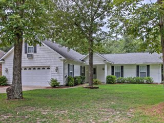 Peaceful Home in Fairfield Harbour w/ Pool Access!