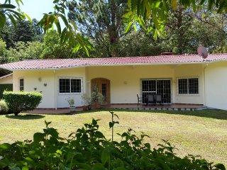 Las Plumas Holiday Home Rentals QUETZAL - Paso Ancho, Volcan, Chiriqui Highlands
