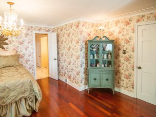 Lakecrest Estate Bed & Breakfast